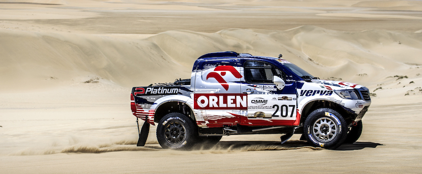 Toyoty Hilux w Sealine Cross Country Rally Qatar - etap 4